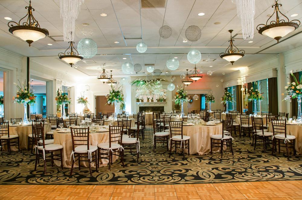 Happy Hollows Country Club Wedding in Omaha Nebraska
