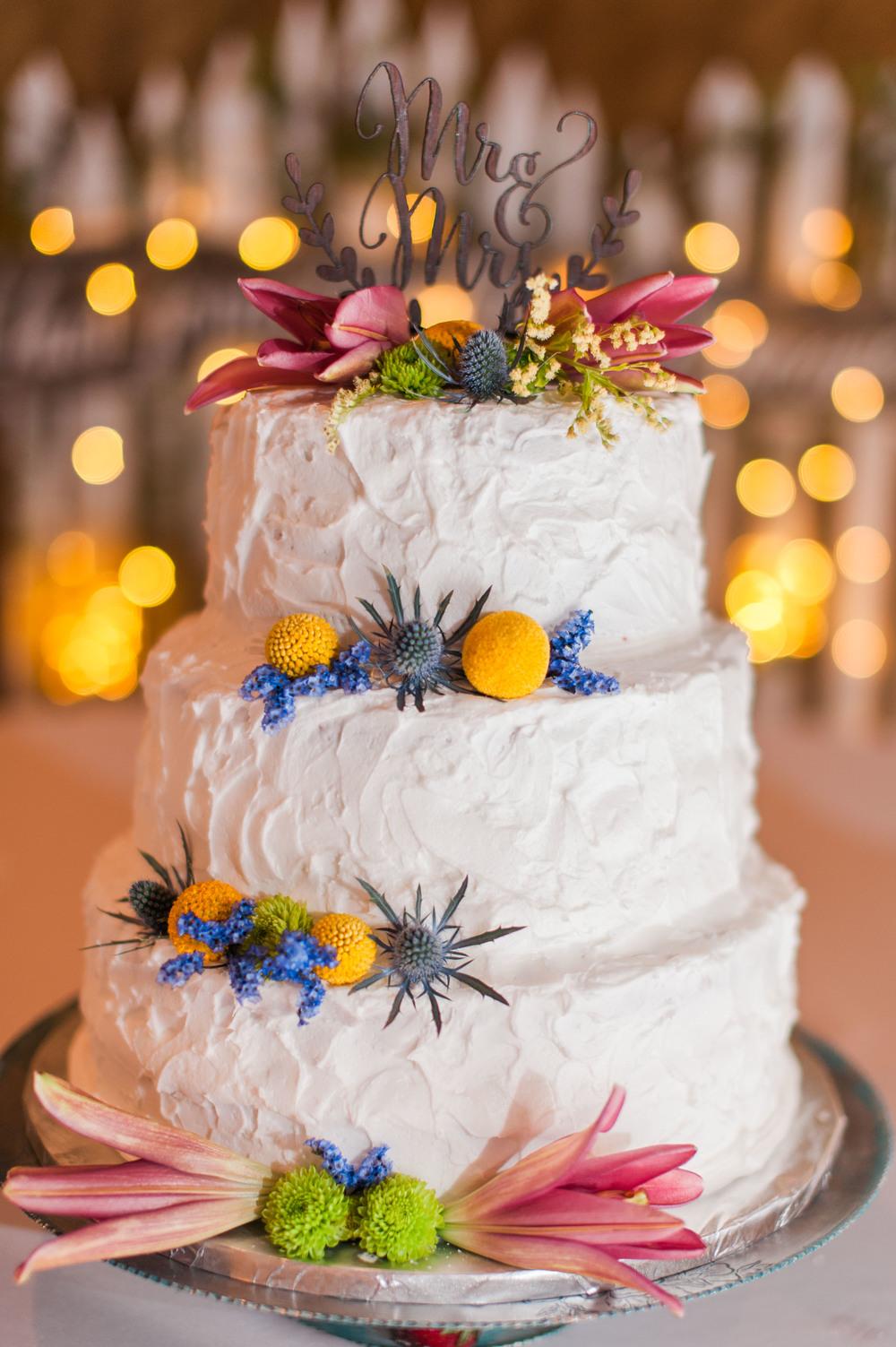wedding cake by Omaha cake artist