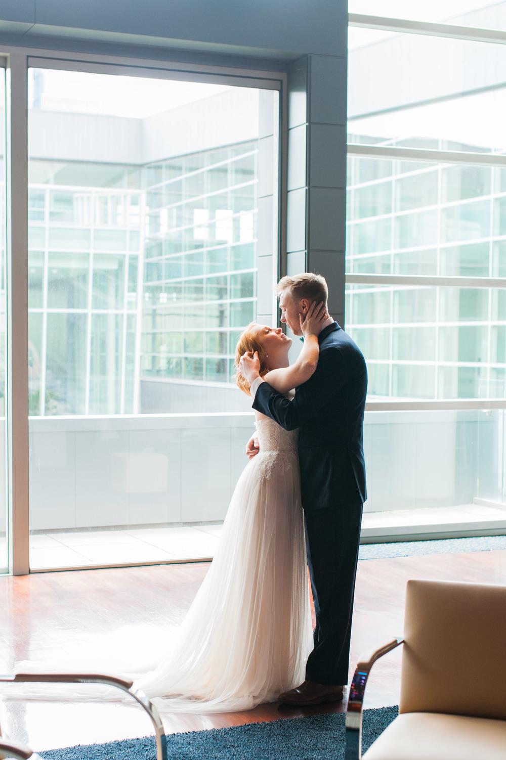 omaha-holland-arts-center-wedding-32.jpg