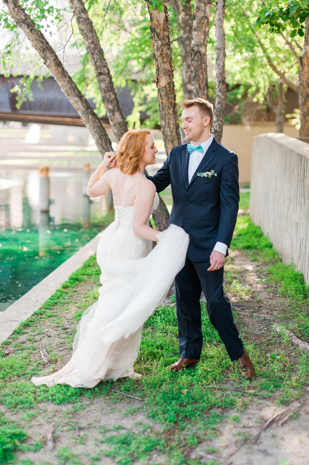 downtown omaha bride and groom wedding photography