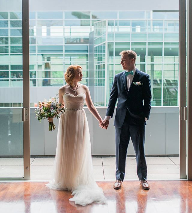 What happens when a venue meets the couples style perfectly? An experience that is specific to that couple. The whole wedding becomes a picture of who they are.....VENUES MATTER♥💍 Wedding planning & event design : @vernettakosalka  See the link for blog post in comments  Love #bridetobe #isaidyes #ido #omahabride #artmuseum #nebraskawedding #coloradoweddingphotographer #colorado #mastinlabs #bohobride #mountainweddingphotographer #nebraskaweddingphotographer #midwestbride #weddingdress