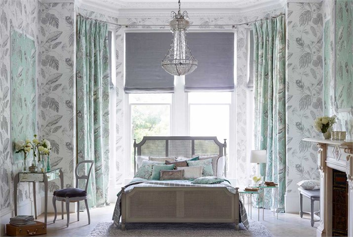 1-Harlequin-palmetto-fabric-calm-bedroom-mijnt-green-cream.jpg