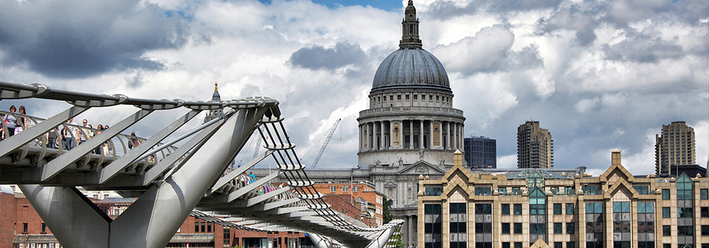 Muffin-Cupcake-Delivery-London-StPauls.jpg