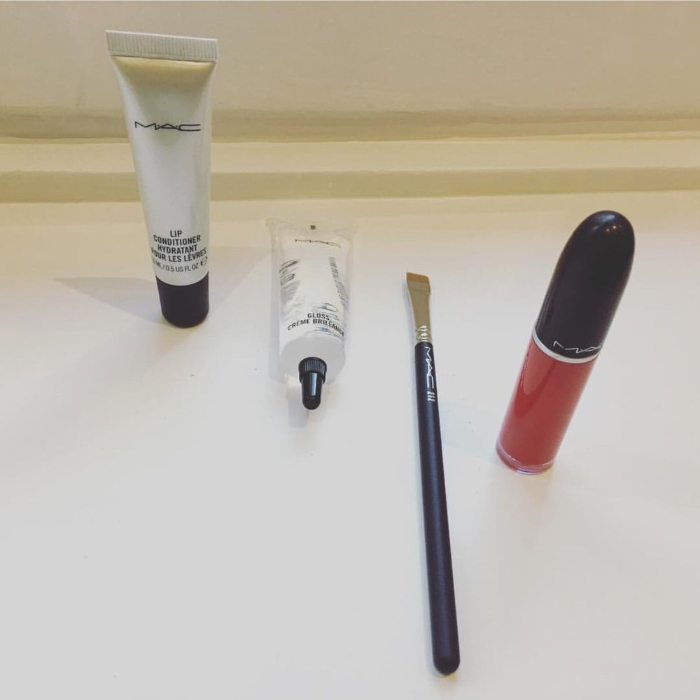 Red Matte Lipstick Mac.JPG