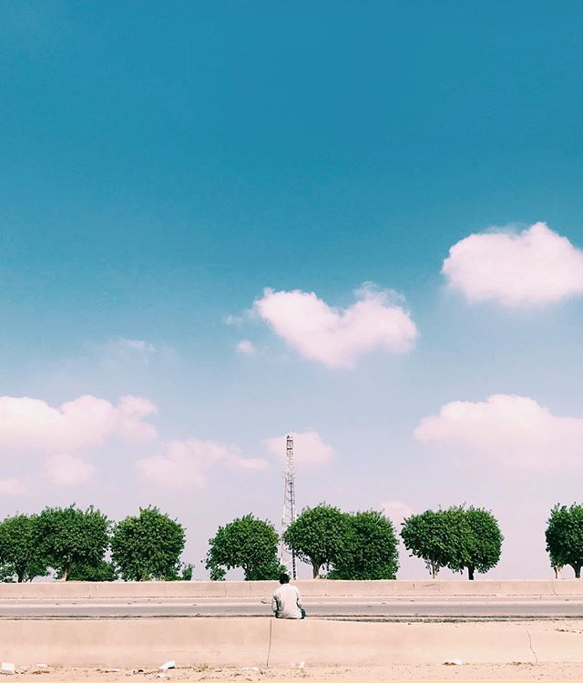 Maybe solitude is the answer #phonartsaudi #vsco #vscocam #shotoniphone #iphoneonly #street #art #dhahran #saudi #saudiarabia #photooftheday