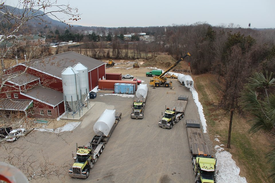 Arrival of 4 - 240hl (6,340 gallons) fermentation tanks