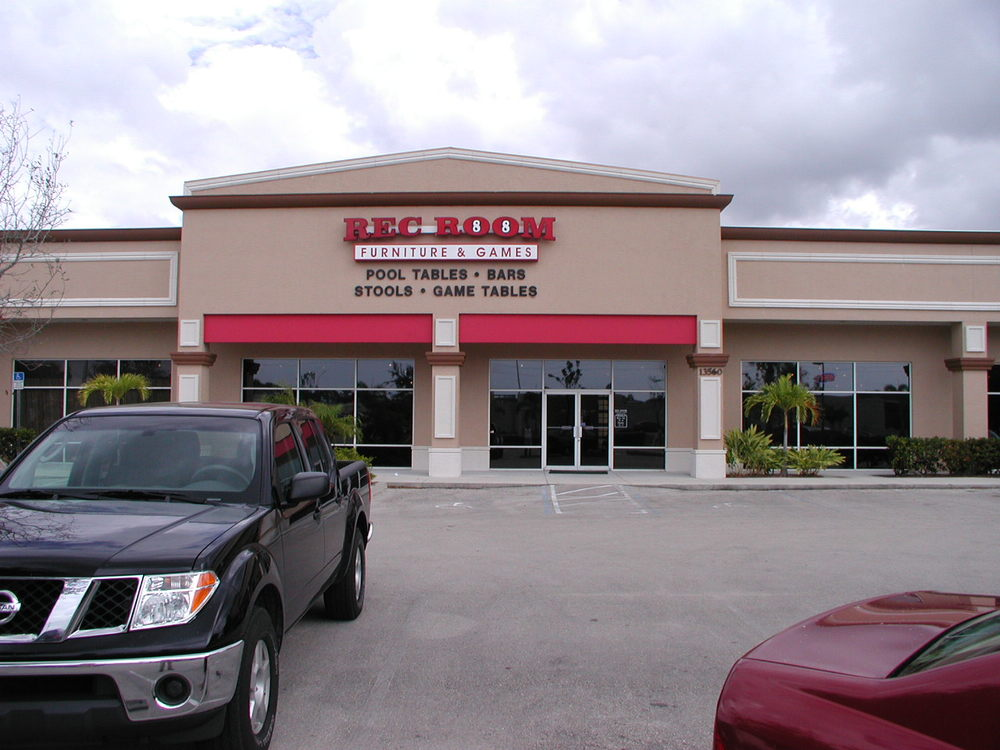 13560 Tamiami Trail North (Naples)
