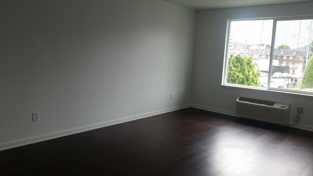 215louiselivingroom.jpg