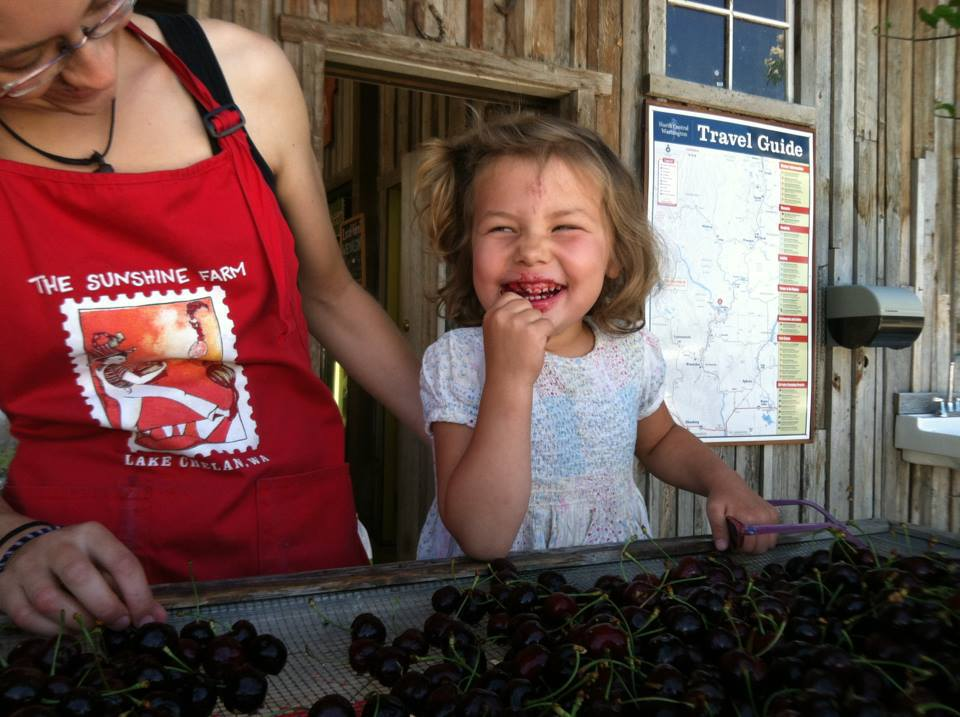 Rosa and Jessie Eating Cherries.jpg