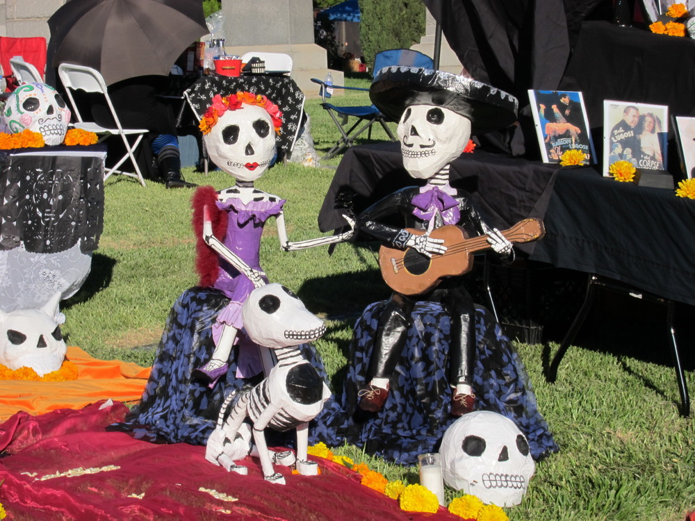Dia De Los Meurtos Family