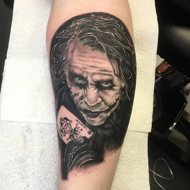 Joker done by @andysyme_crossroadstattoo sponsored by @barber_dts