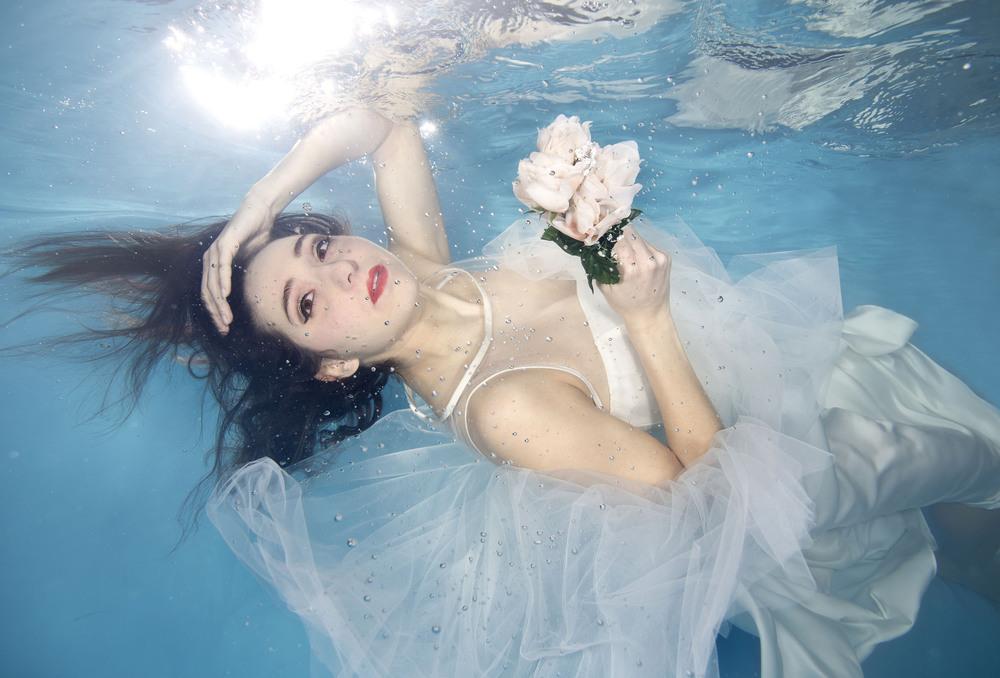Brides Underwater2.jpg