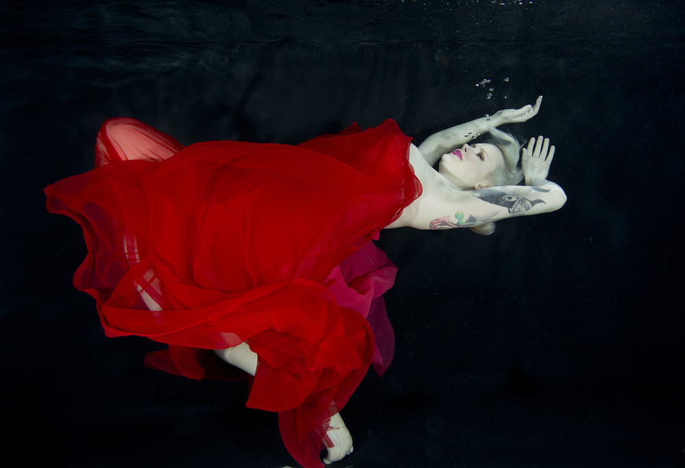 Make-up by Jenny Dayton. Copyright Starfish Underwater Photography