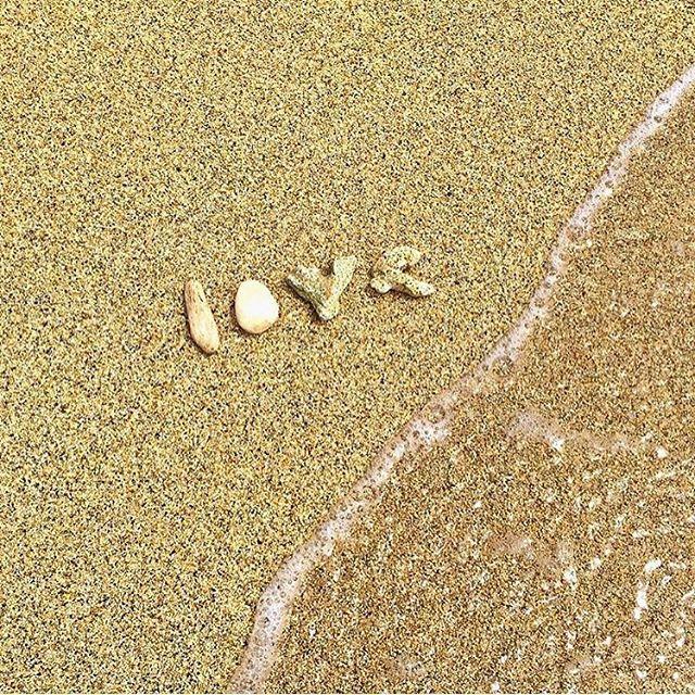 Some Friday Love! @nic_808 ---------- www.happyfishhawaii.com ---------- #happyfishhawaii #beach #hawaii #mermaid #love #waves #oahu #oahuhawaii #waikiki #808 #fashion #luckywelivehawaii #happy