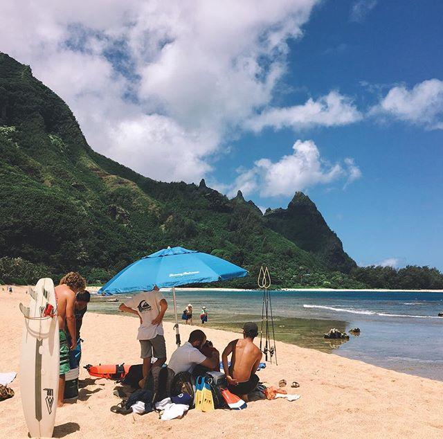 Caught a couple good ones🤗🐟🐠🌞🌴 #blessed #hawaii #paradise #happyfish #fish #happyfish #luckylivehawaii #hawaiilife #hawaii #hawaiianstyle #beachday #mauka #makai