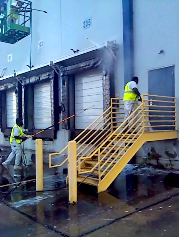 Commercial Pressure Washing.png