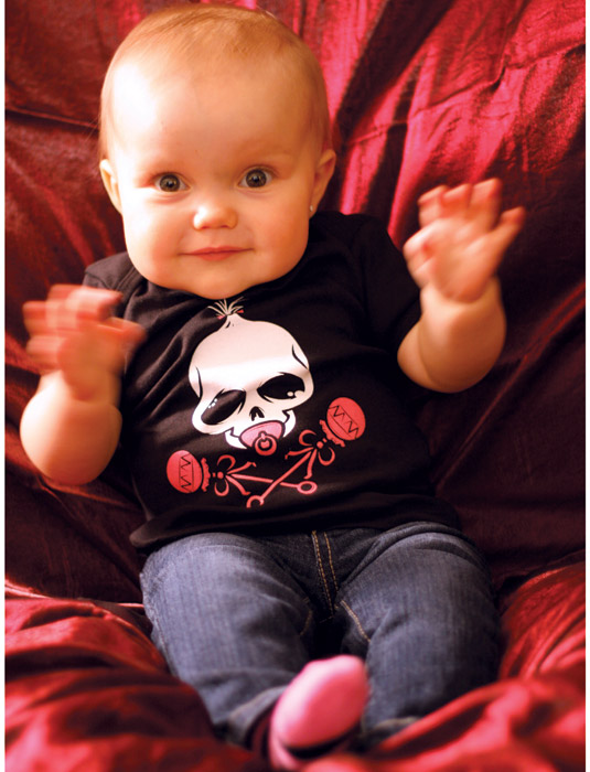 Funny_Baby_Shirts_BABY_SKULL_PINK_RATTLE_Sik_World-Taylor_1449.jpg