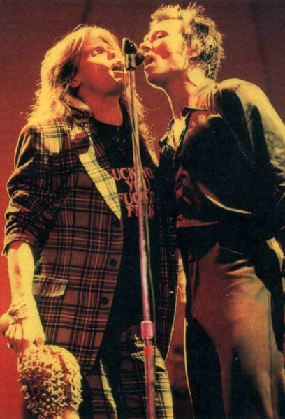 Steven Tyler of Aerosmith with Scott Weiland of the Stone Temple Pilots