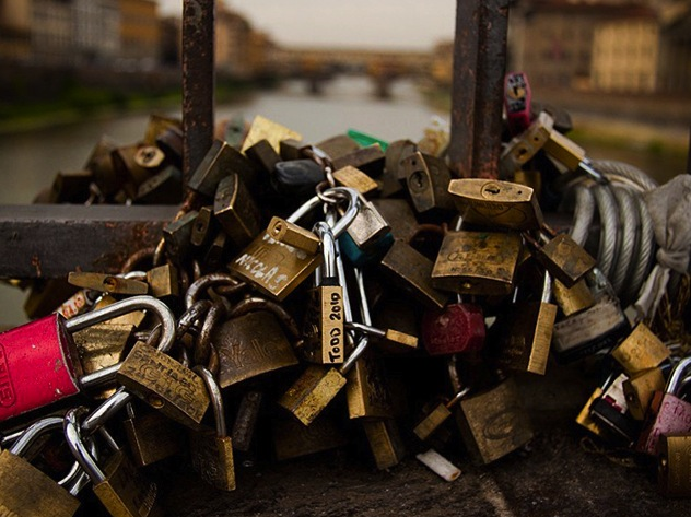 Tweedot-blog-magazine-lovelocks.jpg