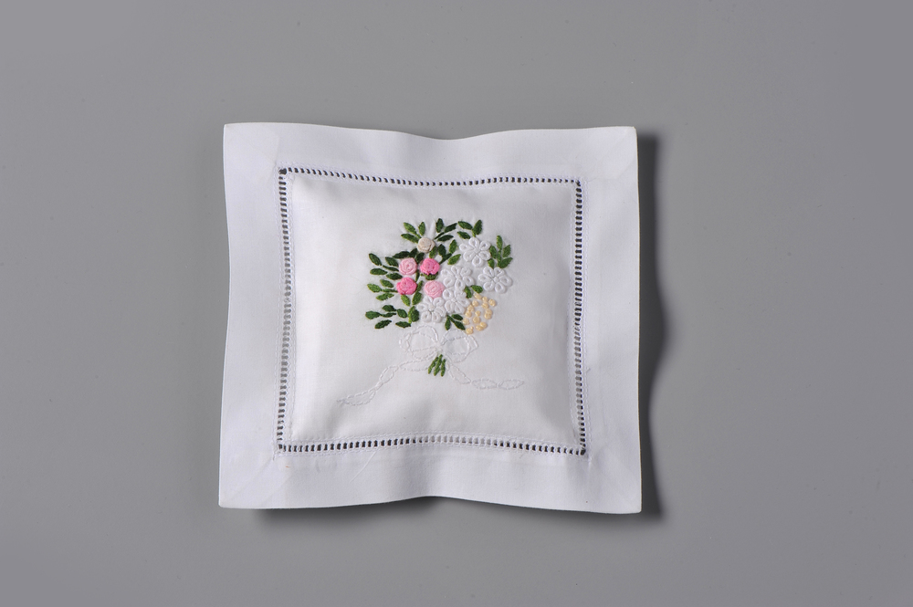 #4009-RS Hand Embroidered Eyelet Bouquet Sachet     Suggested Retail Price $15