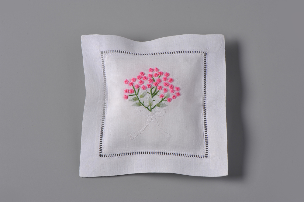 #4111-RS Hand Embroidered French Knots Sachet     Suggested Retail Price $15