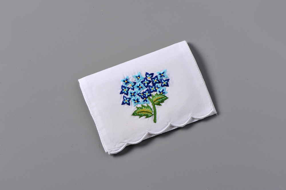 #4110-PTC Hand Embroidered Hydrangea Personal Tissue Pouch Suggested Retail Price $15