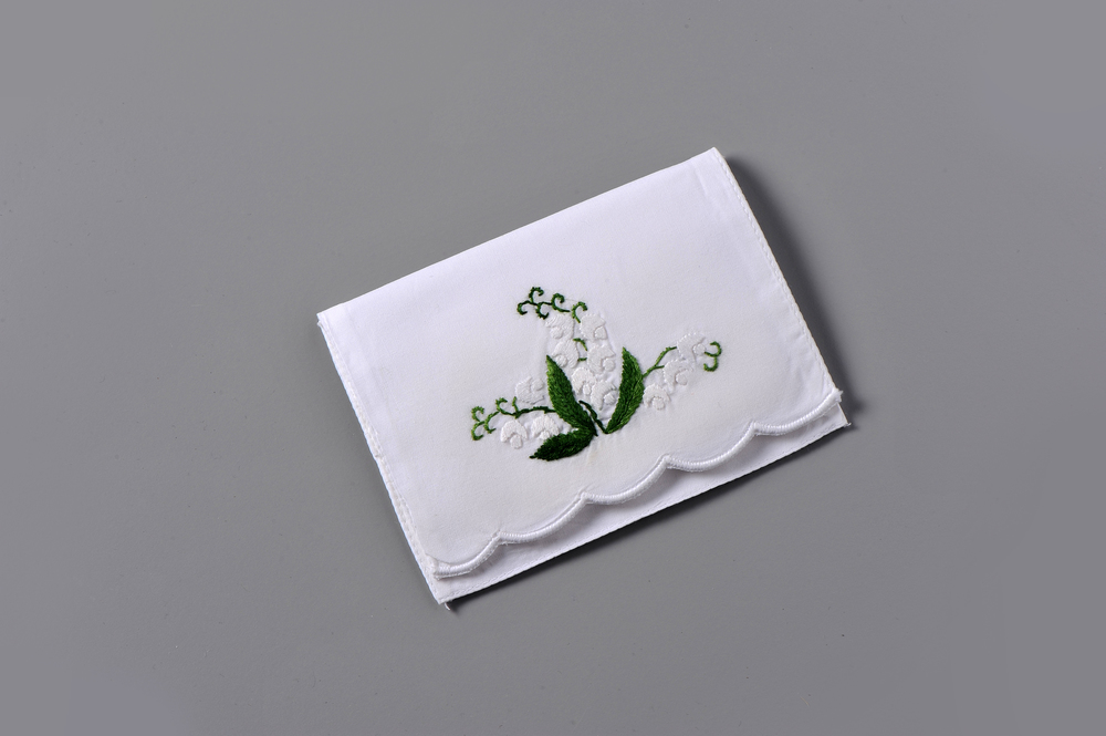 #4257-PTC Hand Embroidered Lily of the Valley Personal Tissue Pouch Suggested Retail Price $15