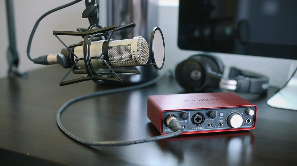 Focusrite Scarlett 2i2 Review Amp Podcasting Setup Diy