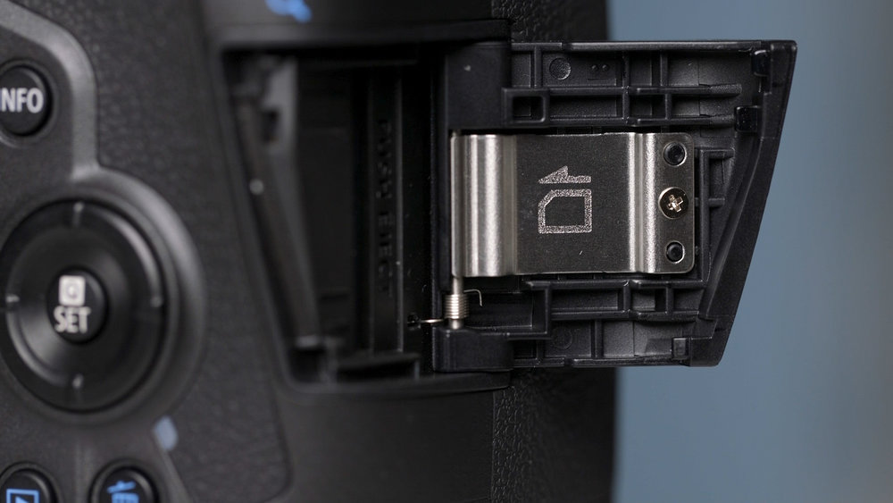 2 - EOS R - Photography Review - V2.00_09_10_04.Still025.jpg