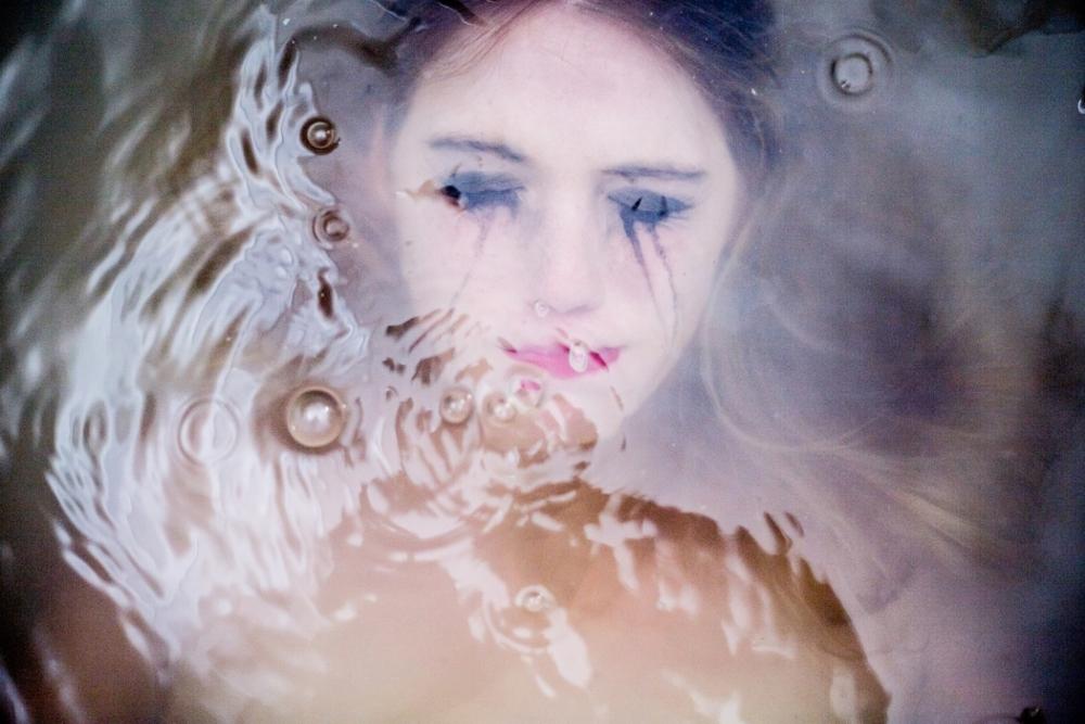 Elizabeth+Douglas+Underwater.jpg