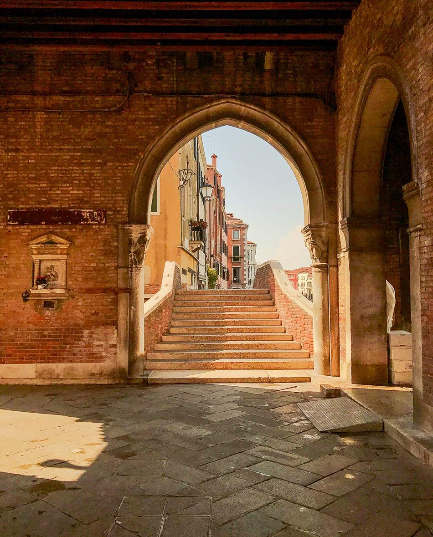 The-old-merchant-fish-market-of-Venice.jpg