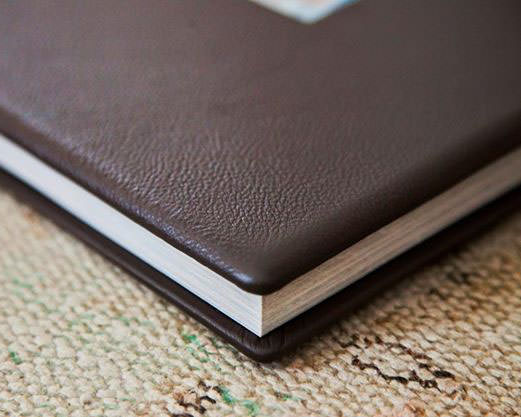 Coffee Table Book by Momento Pro