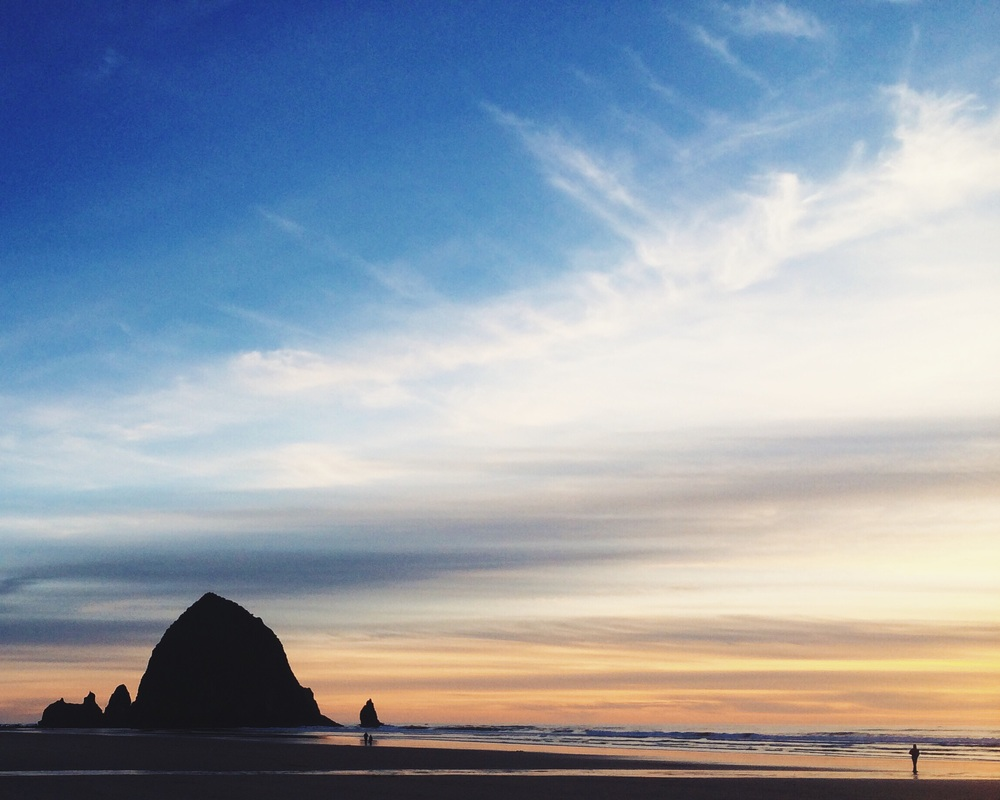 thepaperairplane_cannonbeach_oregon.jpg