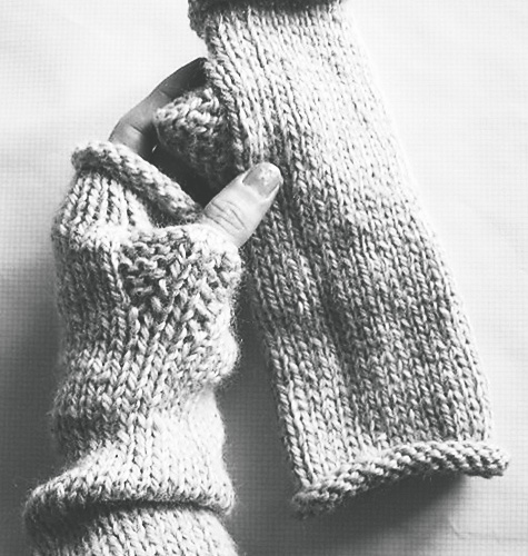 zip mitts by pink brutus knits -