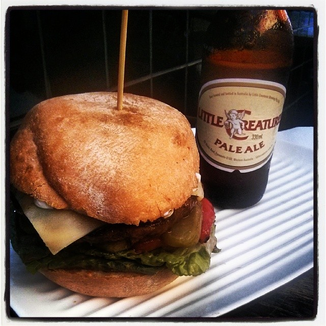 @grilldburgers $10 promo #meatwave #littlecreatures #hotmama #helloweekend #pavarotti #lunchforatenor
