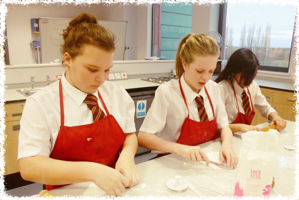 Cake Decorating Course In Wolverhampton : Great Highfields Bake Off!   Highfields School, Wolverhampton