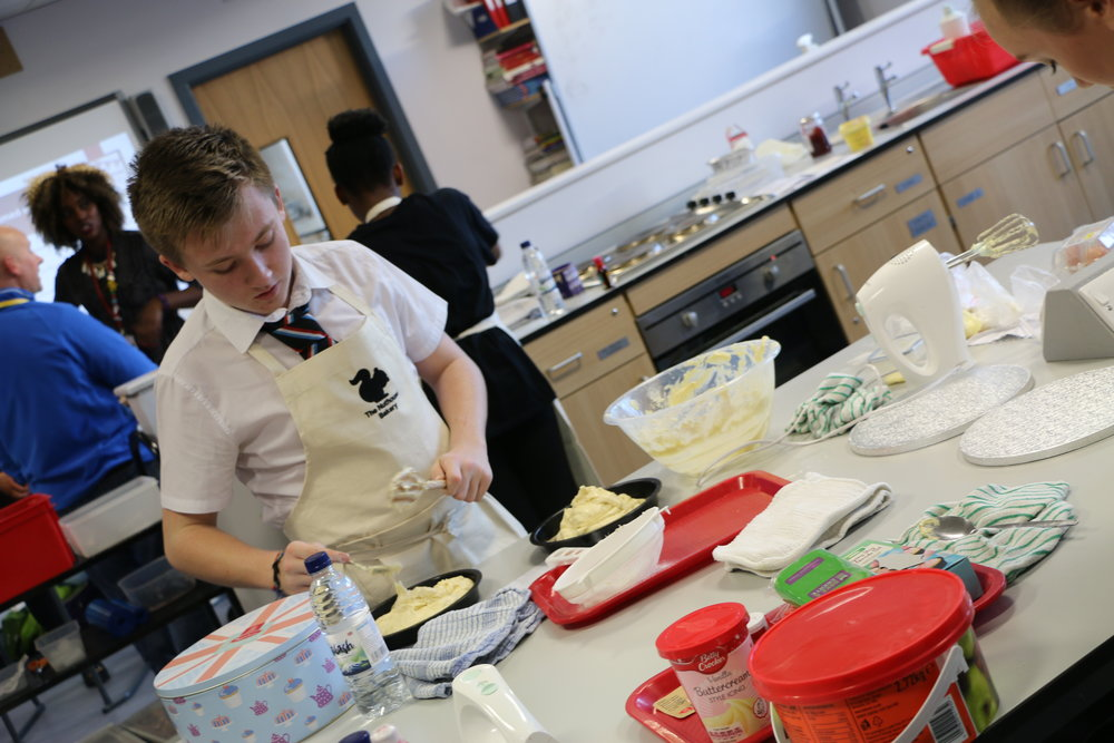 Cake Decorating Course Wolverhampton : Bake Off success is icing on cake for Highfields students ...