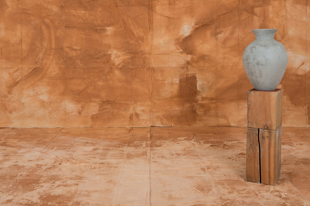 Carolyn Carr  Detail from  A Photographer's Studio and the Problems of Posing , 2016  Georgia red clay vessel with artist's glaze, pine beams circa 1860, painted clay curtain, painted and scrubbed clay floor cloth. Installation dimensions variable. Courtesy the artist and Jackson Fine Art, Atlanta.  Photo by Marcie Revens.