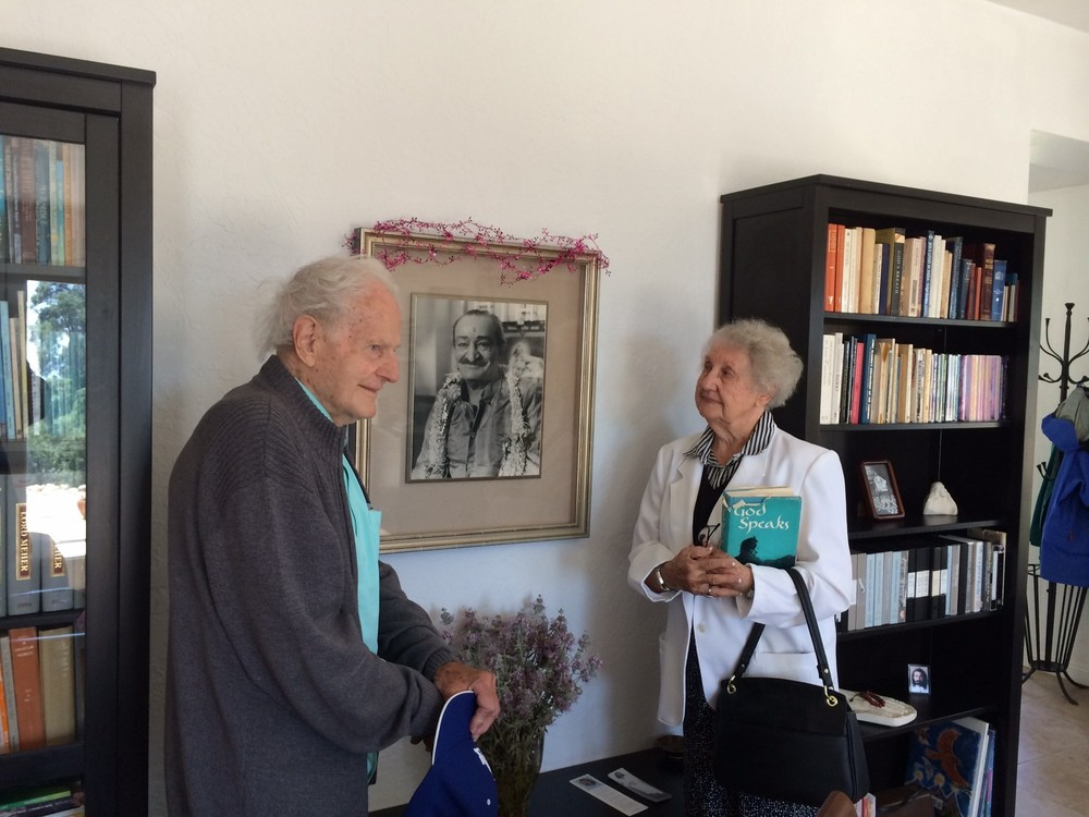 CHARLES & DOROTHEA DEED visiting Meher Mount in 2014. They both met Avatar Meher Baba during His 1956 visit to Southern California. (Photo: Buzz Glasky, 2014)