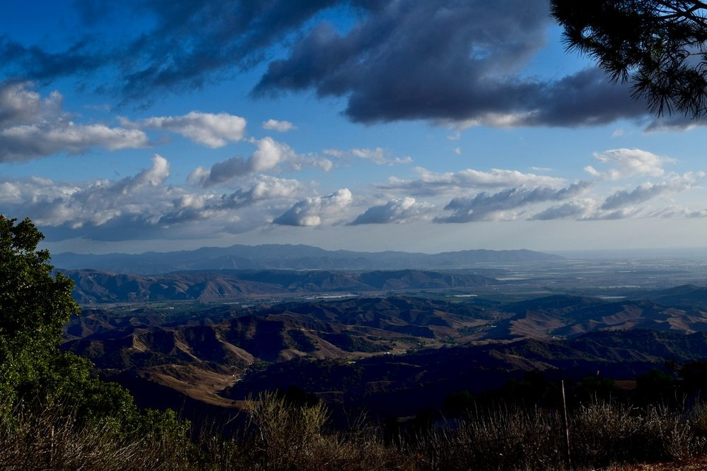 A VIEW FROM AVATAR'S POINT looking south toward the Santa Monica Mountains and the Pacific Ocean to the west. (Photo: Eric Turk, Thanksgiving 2015)