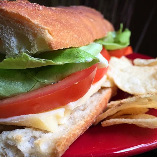 Reminiscing about Paris with a Sandwich avec Emmental Crudités