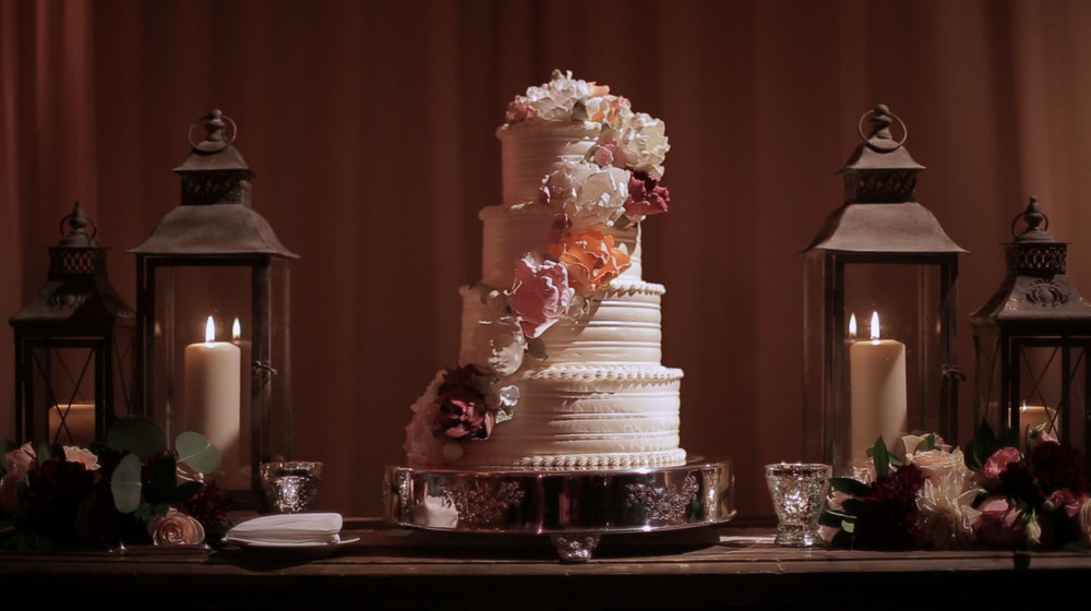 lisajohn-weddingcake.jpg