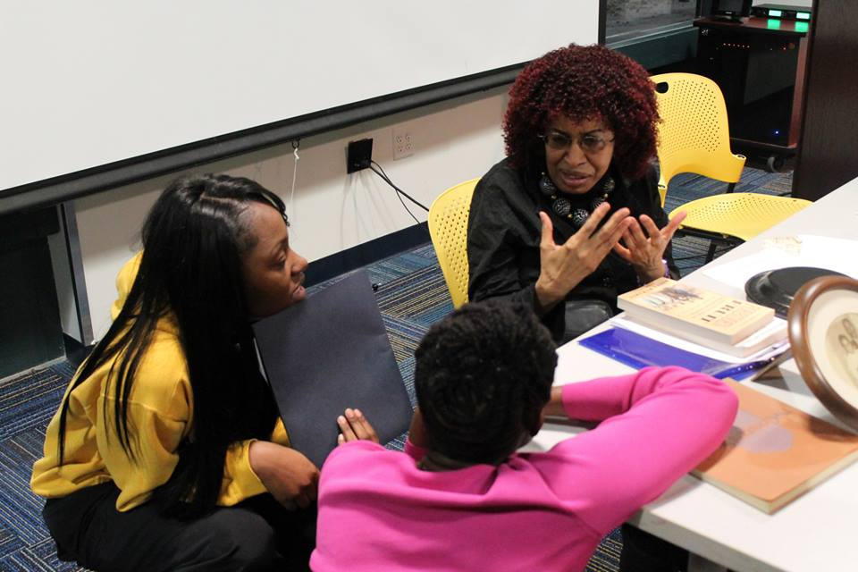 SiD students talking with author and journalist Betty DeRamus during the Detroit Speakers Series which is open to the public!