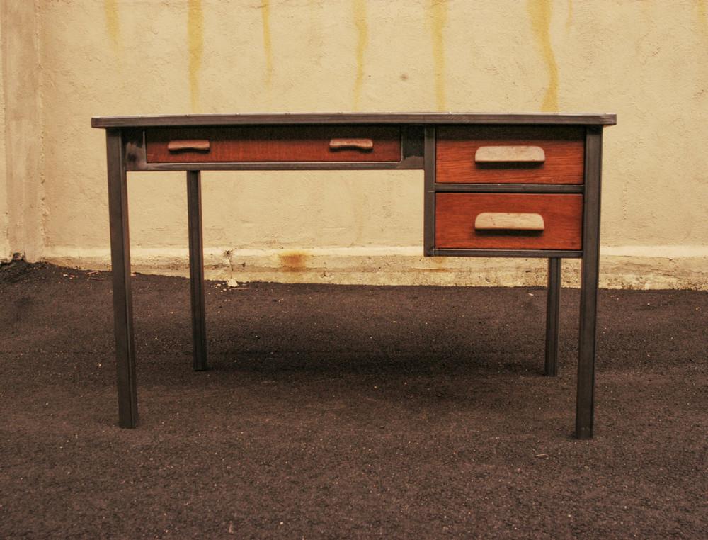 desk-3.jpg