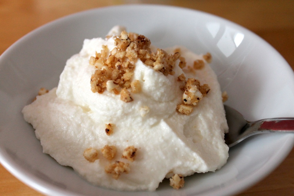 greek-yogurt-bowl.jpg