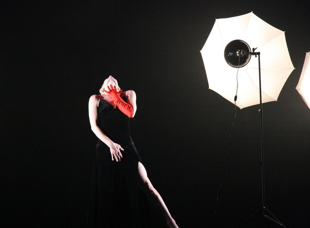 Femme Noire (20min, 1 Performer)