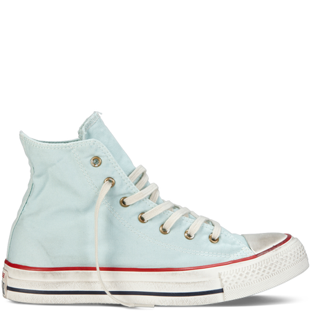 Chuck Taylor Washed Canvas in Foam