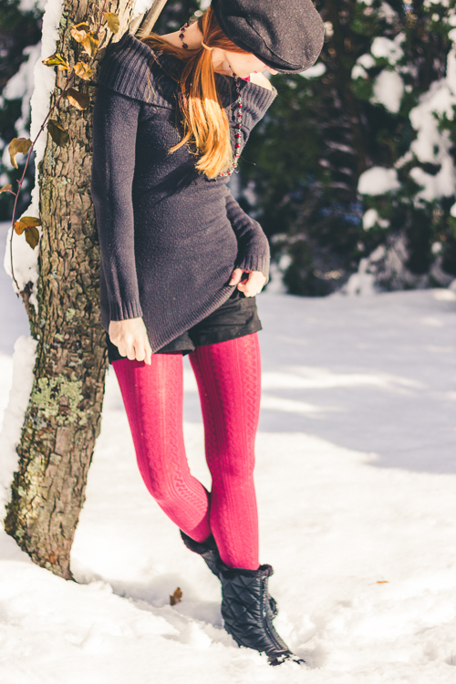 Cable knit leggings in the snow