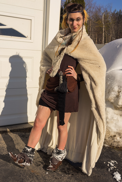 A quick shot of the entire outfit (after the shoot was over - hence the snow on my shoes)