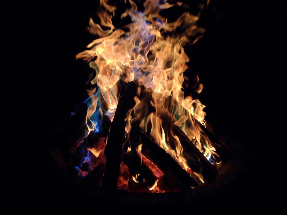 Random Copper + Fire = PRETTY COLORS!